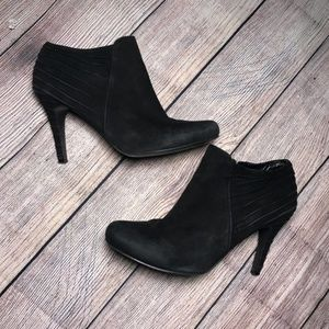 Enzo Angiolini Black Suede Ribbed Ankle Boots Sz 9